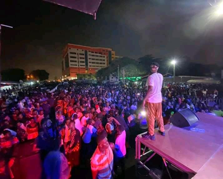 RECORD BREAKING:Over 3000 Ghanaians Storm Nautyca's Concert