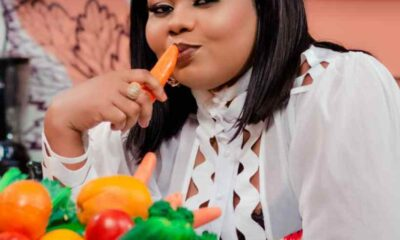 "Empress Gifty All Geared Up In Love As ""ABEN W)HA"" Premieres With Hon. Hopeson Adorye"